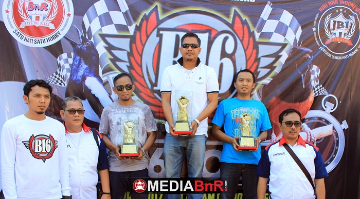 B16 Team Sukses Gelar Lomba Burung Berkicau