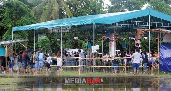 Pertarungan Penuh Sensasi di Bawah Guyuran Hujan