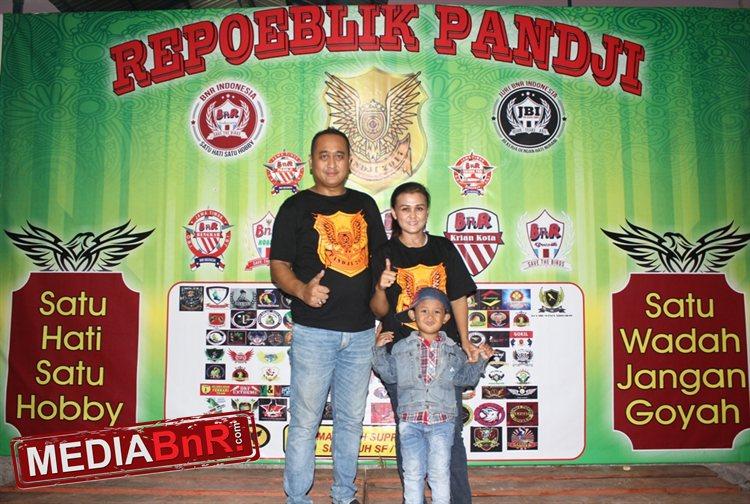 Agus Pracoko W, SH didampingi istri dan putranya