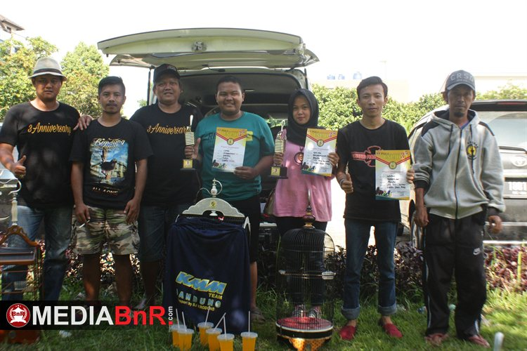 Amunisi Lutfi yang tergabung Cebban Bandung, buktikan terbaik di Ciblek lewat 2 jagoanya Ghenki rebut ke-1 dan 2 serta Jojin rebut ke-1.