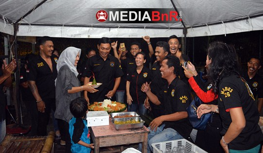 Walang & Uut Menggeliat, RJ SF Borong Juara