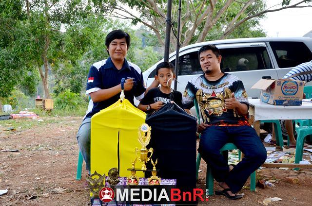 Andika Remonda salah satu pengurus RI Lampung photo bersama Iman Permata pentolan Permata Team