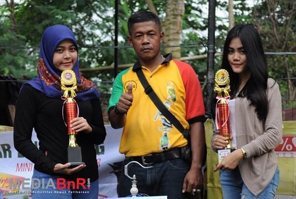 Ayi Rukman kembali rayakan kemenangan (Foto: Rizal/MediaBnR.Com)