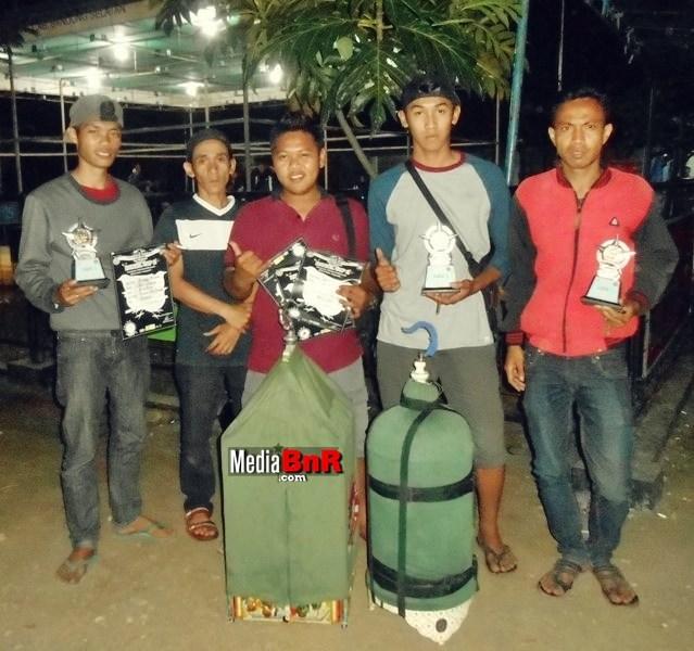 B 16 Team Melejit Lewat Kabaya Beureum
