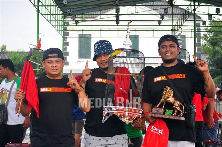 Deretan Love Bird Papan Atas di Piala Sri Paduka Mangkunegara IX Solo