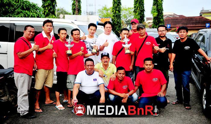 Mr.Olix bersama seluruh crew Mr.Joss Lampung