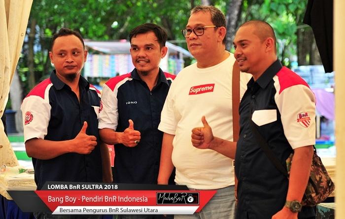 "Setelah Membuka Lomba ""Presiden Jokowi Cup"" Bersama Joko Widodo, Bang Boy Disambut Kicaumania Sulawesi Tenggara"
