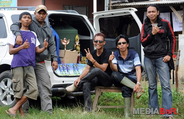 Batavia Team menguasai burung paruh bengkok di Baduy Rawayan (Foto: Rizal/MediaBnR.Com)