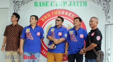 Bersama Ketua BnR Jatim Budi Robot, Ketua JBI Jatim Andhika Menyempatkan Diri Memantau Suasana Latber BnR Koblen Surabaya