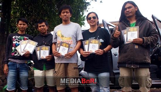 Debut Pertunjukan Tiwi & Kikan Menuai Pujian