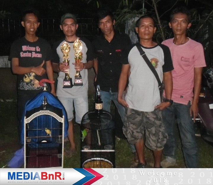 Bintang jebolan H. Roni dari Xalider BC Cileunyi Bandung rebut juara ke-1 di love bird Bintang Garden View