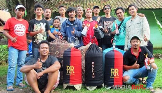 Kacer Tyson Cetak Nyeri, Agus Hasan Berburu Jawara