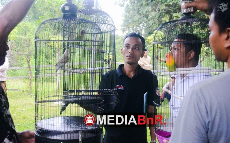 Solihin Bangga Dengan GOYANG KAKY, PUTRI SALJU dan JOKOTOLE Double Wining