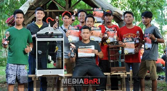 Warnasari BC dan Al-Tris 27 SF Raih Juara Umum