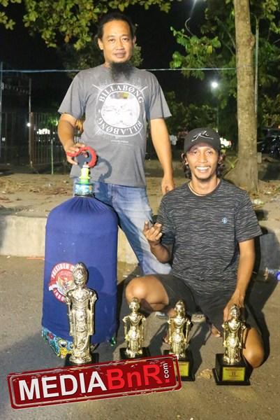 Danang & Mbah Pepi. Roro Borong Juara Love Bird