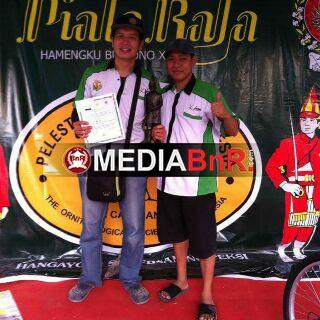 Eko LMS waktu juara foto bareng dengan Andre Madona