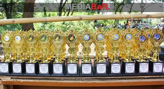 Full Trophy dan Banjir Hadiah di Gelaran Spesial