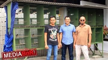 H. Andi, Joko Billion & Kelik Jenggot - Didepan Kandang Pemasteran