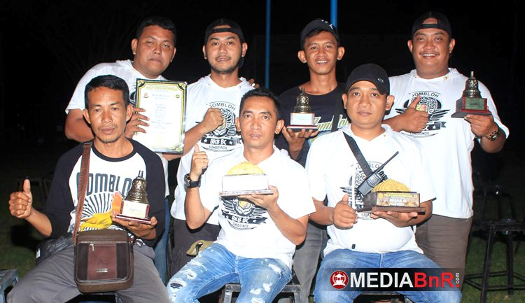 H. Helmi Ata Buana dan Crew - Gombloh Burung Terbaik Versi Piala Borobudur Cup ( Halaman Utama )