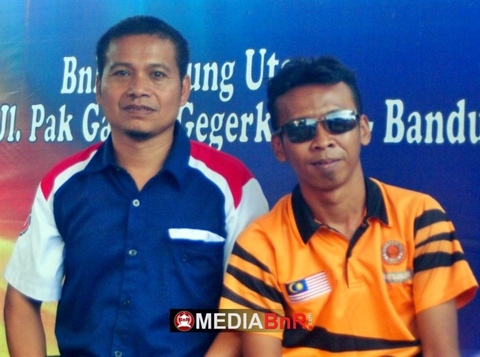 H. Mungin (Kiri) Ketua Penyelenggara