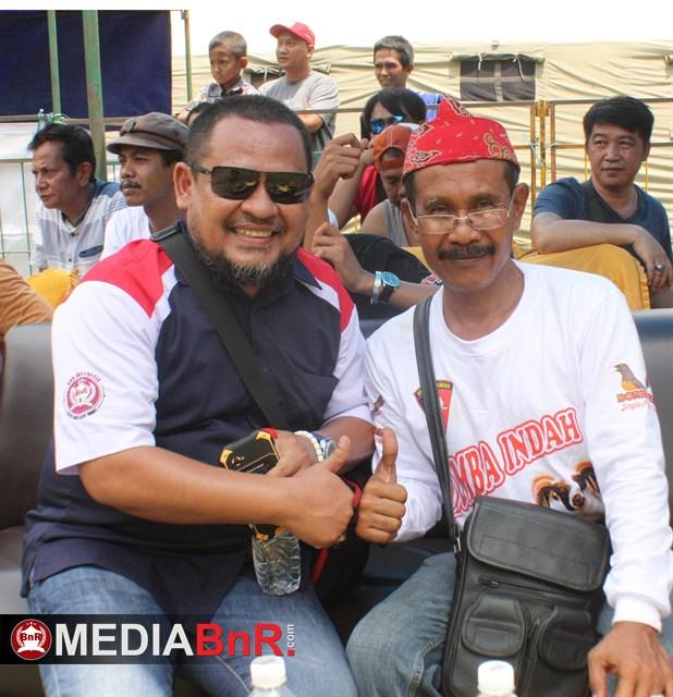 H. Nanang ketua BnR Indramayu bersama H. Sandy Cirebon, keduanya aktor penyelenggaraan lomba Domba Indah Cup I  Cirebon