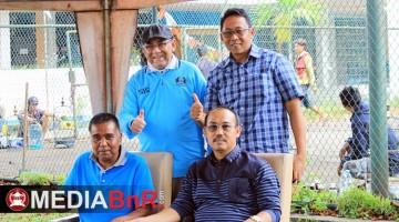 H. budi bersama panitia piala presiden H. lukman dan Mr. Wowo