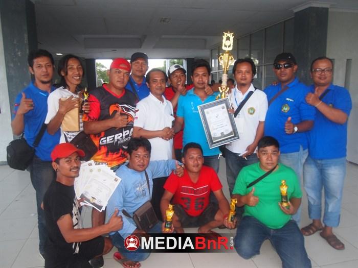 Sien Ronni Cup Malang Juara BC, HnH Sikat Single Fighter