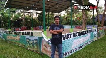 Iwan Mr. Bapank di Depan Gantangan Maleber BC