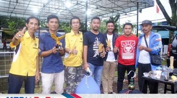 Jajaran Panitia RSE berphoto  bersama Penggagas Gubernur Cup dari Pemkot Tangsel