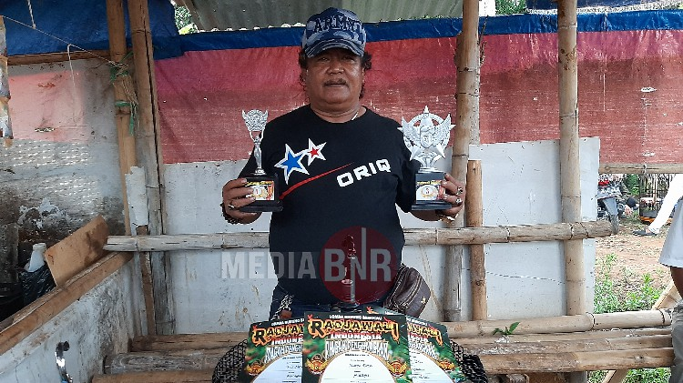 JHON WEEK DAN LAMBA TERBAIK DI MURAY BATU, SAPHIRE DOUBLE WINNER
