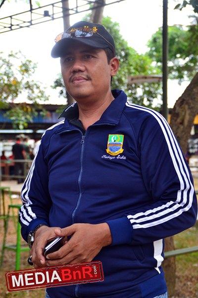 Kepala Desa Tridaya sakti, Suwardi Wadak,SE