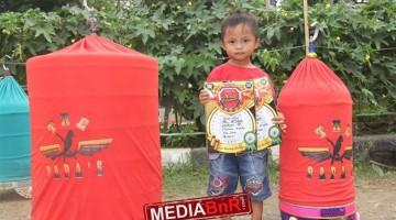 Kicaumania cilik bahagia merayakan kmenangan LB Neng Ela