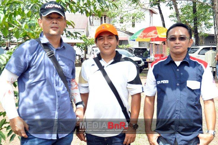 Kombespol H. Asep Taufik (kiri), Dik-Dik Jordan & Edi Susilo Ketua OBI Kalsel