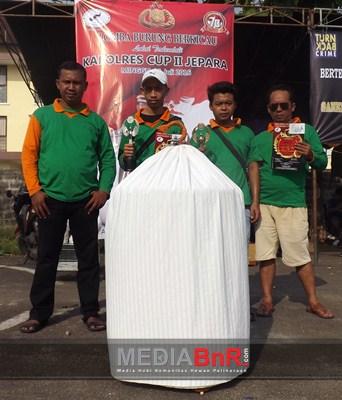Kru Mr. Yono Plaza Poles Bellator Kibarkan Bendera Balai Kambang Kumandang