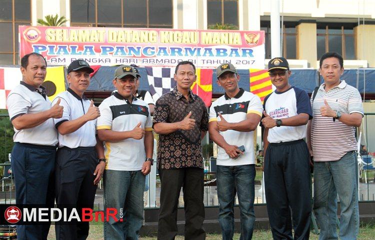 Laksamana Pertama TNI Heru Kusmanto kepala staf Armabar (tengah), Wadan Letkol Laut (P) Rizal Musakarim (kiri) Mayor Harry,  Kolonel Laut (P) Didong Rio Duta (kanan) Mr.Prio