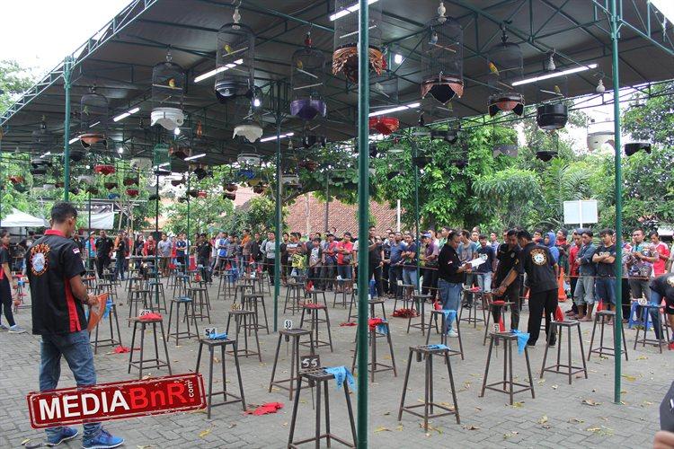 Partai Neraka Akhir Bulan La Bc, Bramasta & Tweety Tampil Mewah