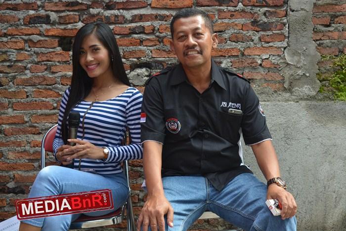Miss Mawar bersama P. Joko Ketua JBI Jateng