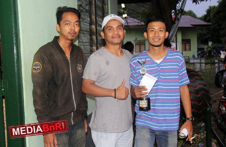 Mr Adam Dari Pijak Ranting Rayakan Kemenangan