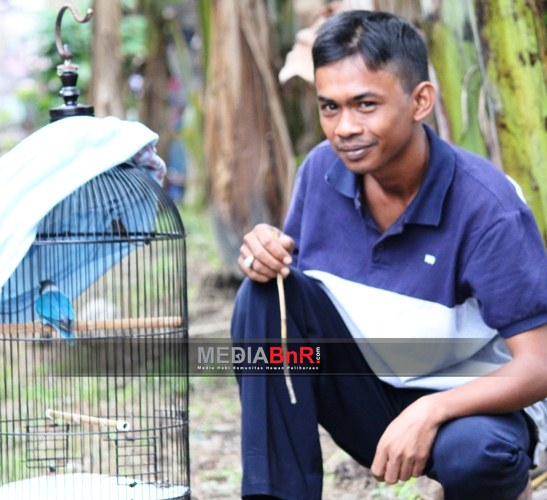 Bambu Runcing & Amoy Nyaris Nyeri