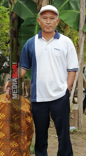 Mr Sugiarto. Kacer Bambu Runcing Nyaris Nyeri.