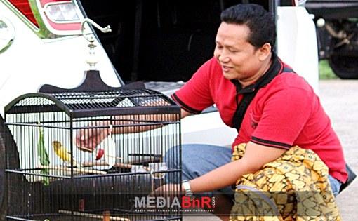 Atrasa dan Dewa Berbagi Podium di Launching Babang Berdarah
