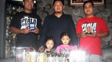 Mr. Kurniawan bersama keluarga