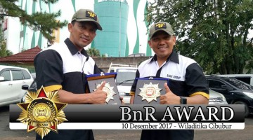 Mr. Prio bersama Mayor.Laut