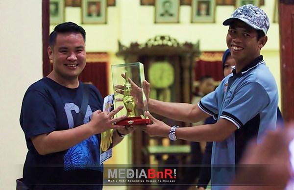 Mr. Tommy - Darmo Permai BC Juara Umum