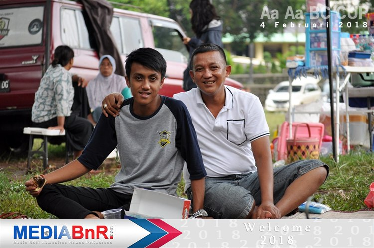 Mr.Gatot bersama putranya, selaku tokoh KM Bekasi juga turut hadir