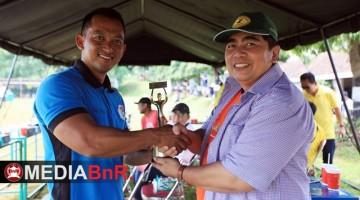Mr.Prio Mendapat Penghargaan dari Ketua PBI Pusat H.Bagya