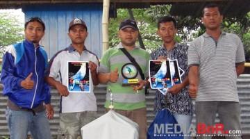 Mr. Rofiq rayakan kemenangannya (Foto: Dani/MediaBnR.Com)