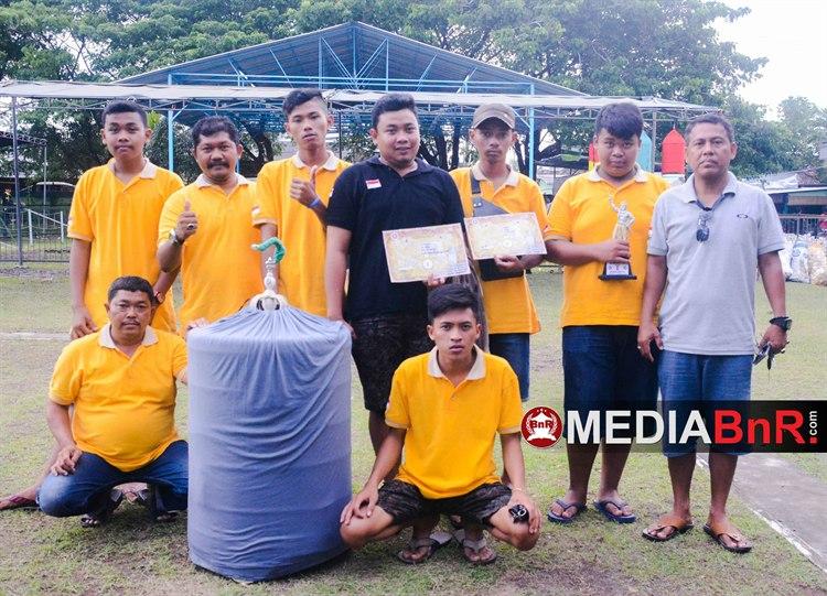 Murai Batu CENTRAL masih banggakan Mr.Chamto (kaos abu abu) and tim dengan raiham juara pertama kelas Murai batu A