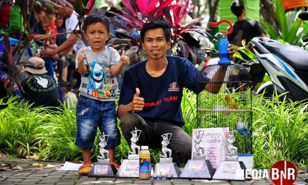 Omen Lonkam, Borong Juara Love Bird di Road To Piala Presiden RI