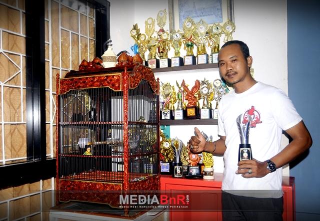 Om Angga Bastyan CSF sang pemilik  Kacer Laut Merah